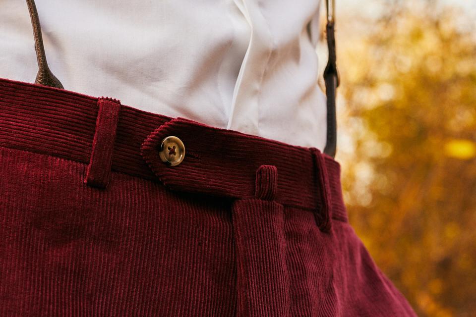 hommes-ou-betes-style-pantalon-fermeture-boutons