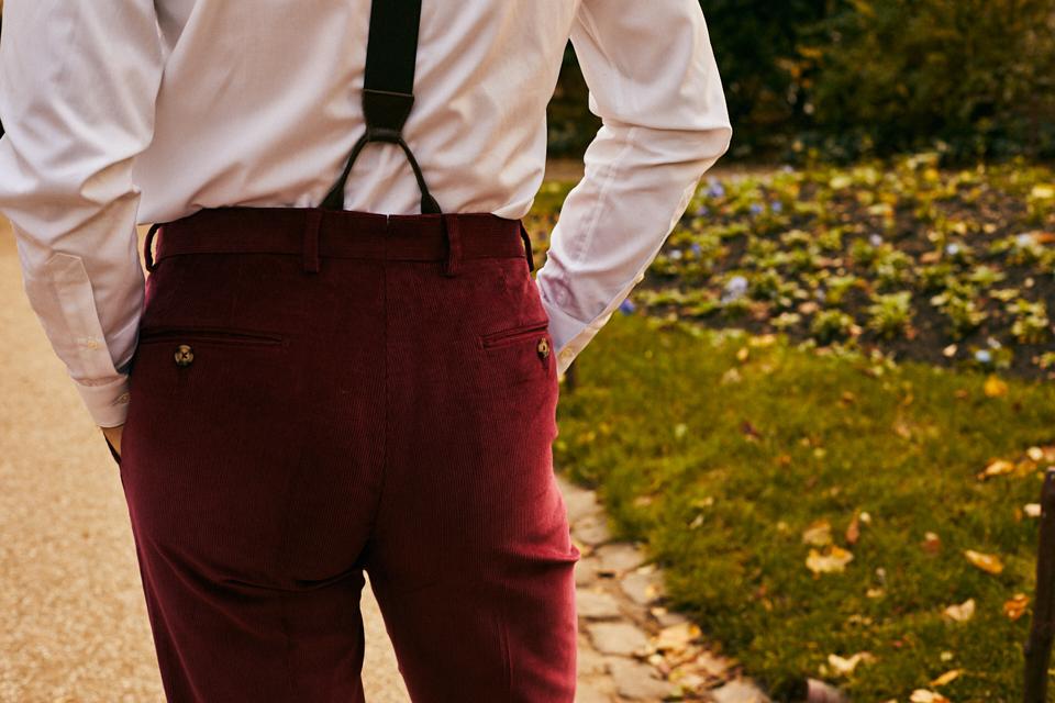 hommes-ou-betes-pantalon-poches-arrieres