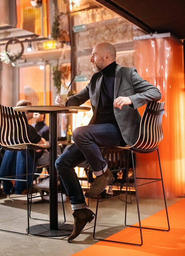 look cafe a paris joe portrait plein pied