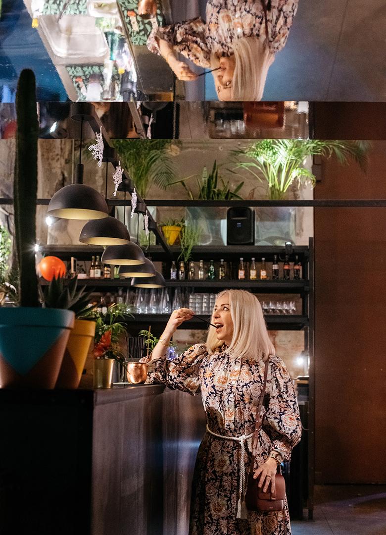 look cafe a paris marion portrait