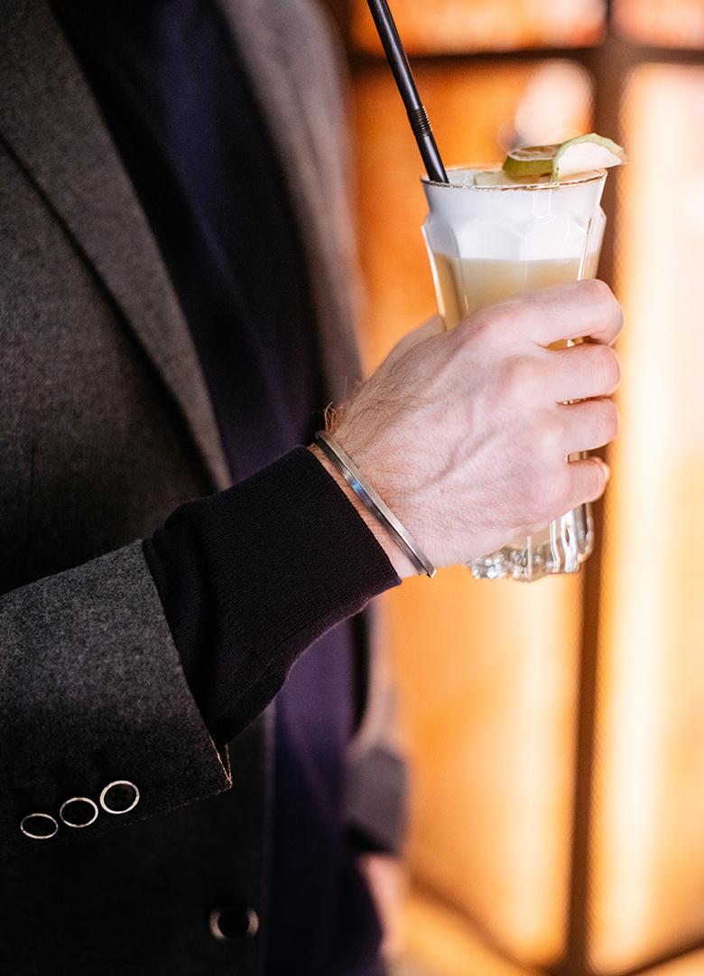 look cafe a paris serge bracelet portrait