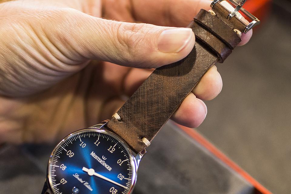Montre Meistersinger Pangea Date Bracelet cuir