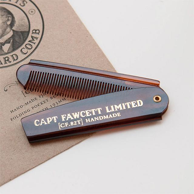 peigne barbe et moustache captain fawcett idee cadeaux barbu