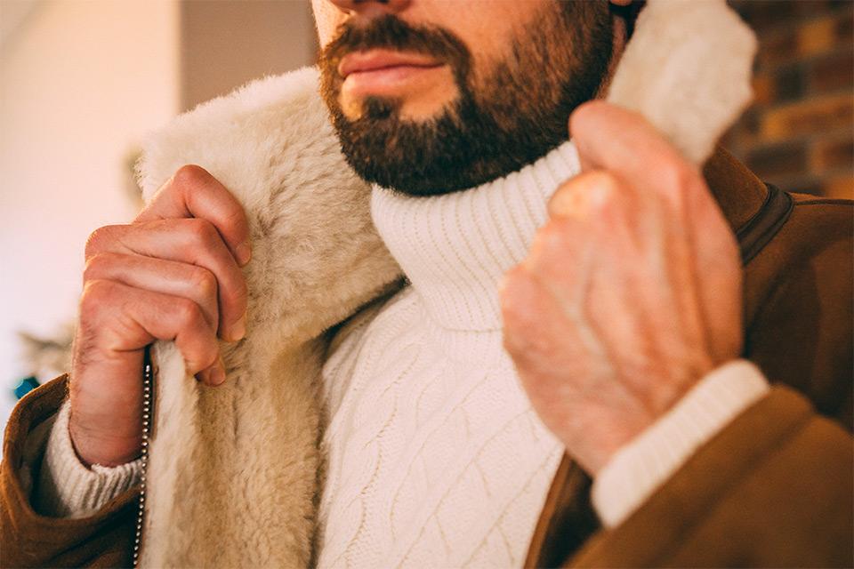 Pull col roulé manteau peau homme