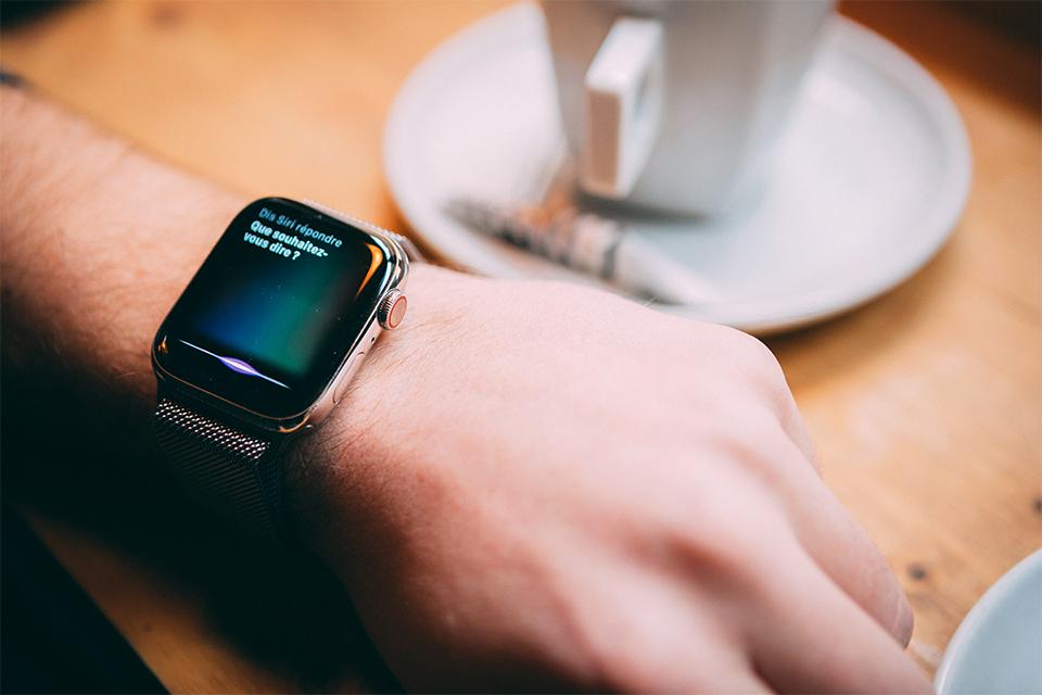 Apple watch series 5 Siri