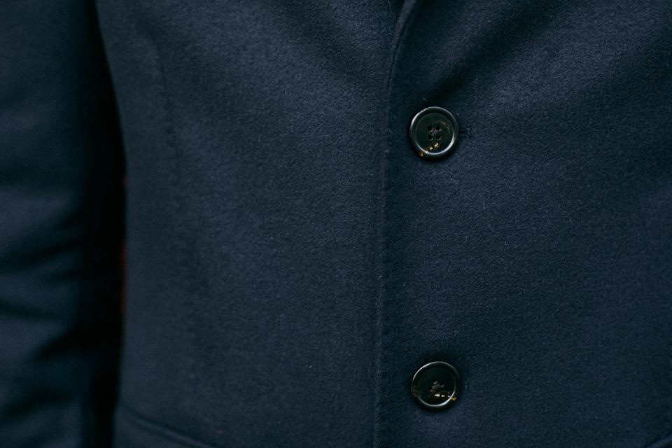 bexley manteau bleu marine detail surpiqure