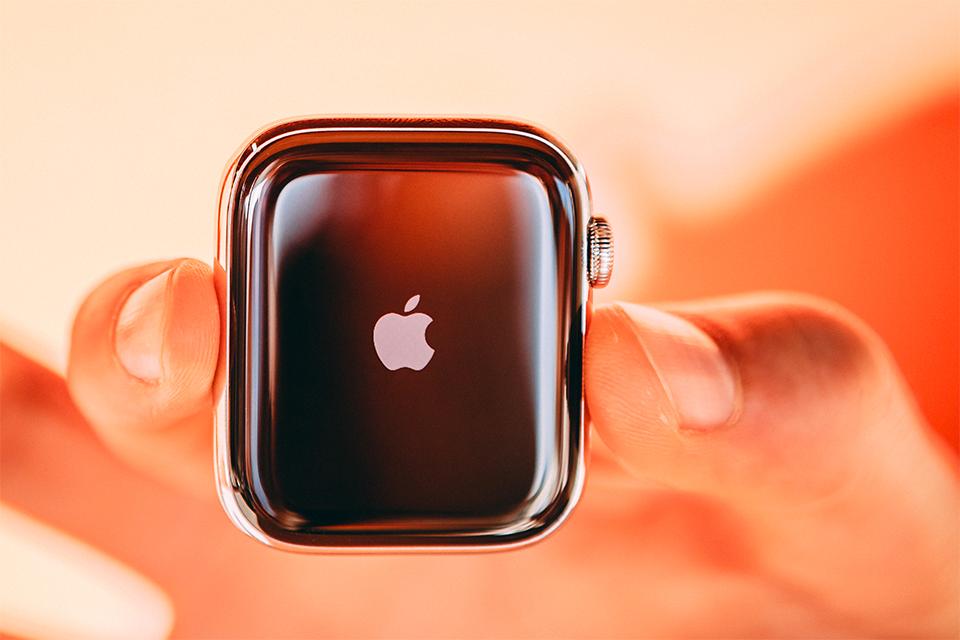 Montre connectée Apple Watch 5
