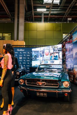 Mustang Pinup Retromobile