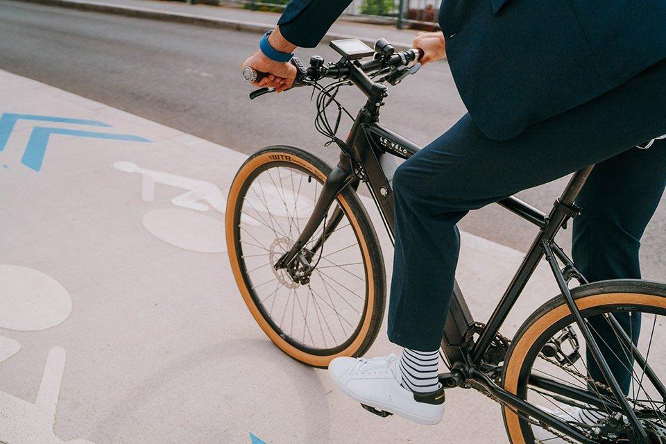 Look sport chic vélo travail