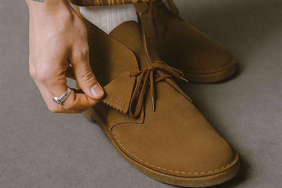 Clarks desert boots cola