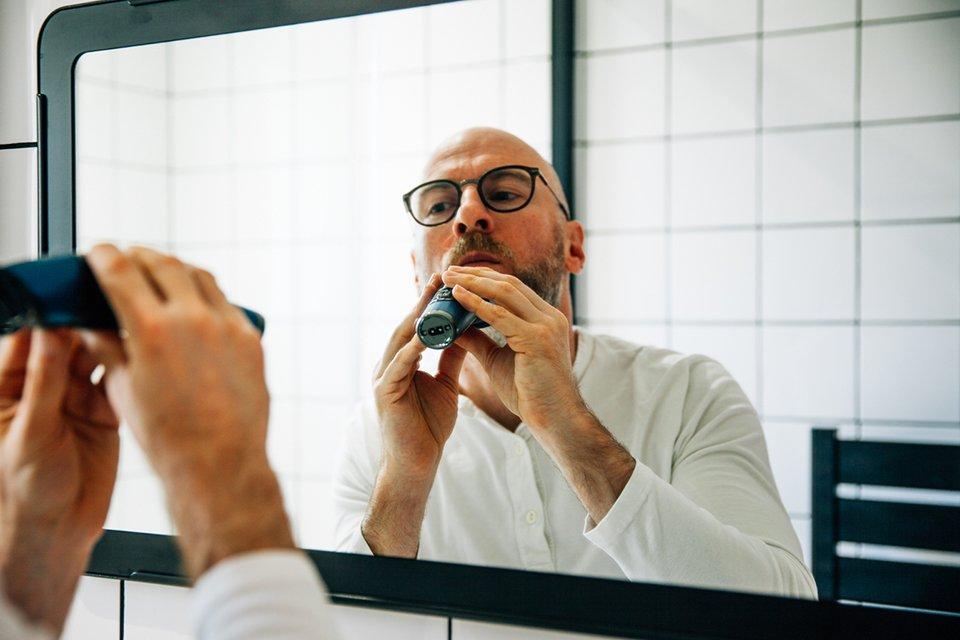 Tondre barbe soi-même joe menton