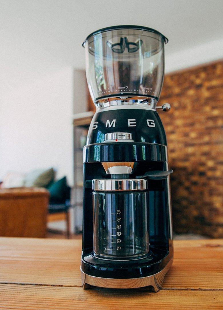 cafe smeg intro broyeur
