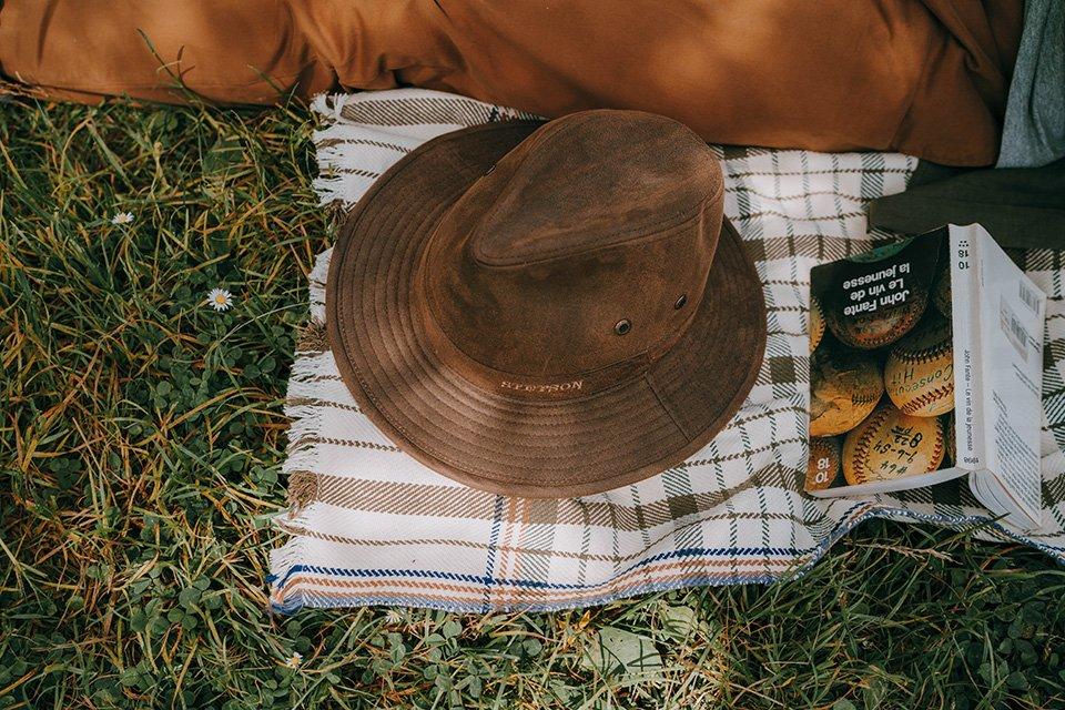 Parc des gayeulles chapeau stetson livre