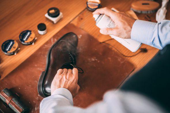 Comment Entretenir Chaussures Pluie Bombe Impermeabilisant