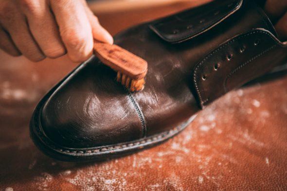 Comment Entretenir Chaussures Pluie Cirage Application