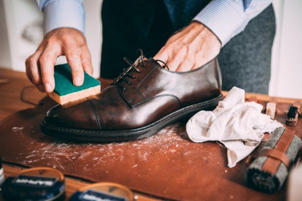 Comment Entretenir Chaussures Pluie Eponge