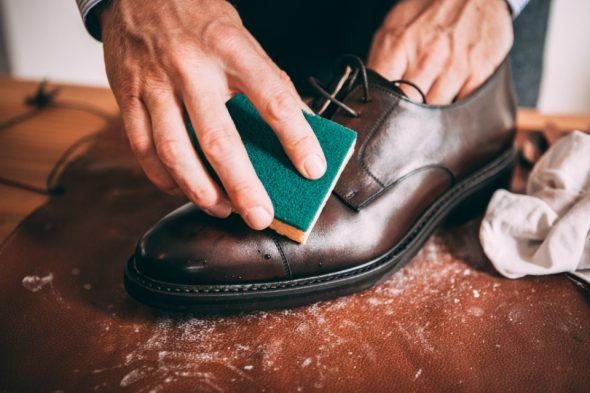 Comment Entretenir Chaussures Pluie Eponge Close