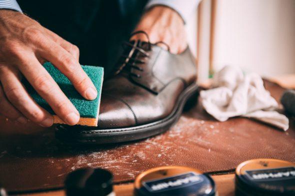 Comment Entretenir Chaussures Pluie Eponge Face