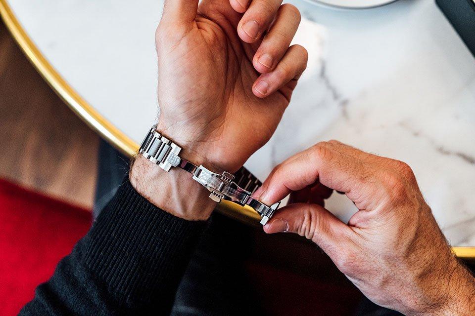 Montre frederique constant highlife bracelet etape 1