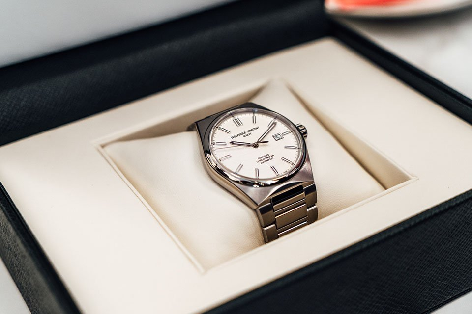 Montre frederique constant highlife coffret montre