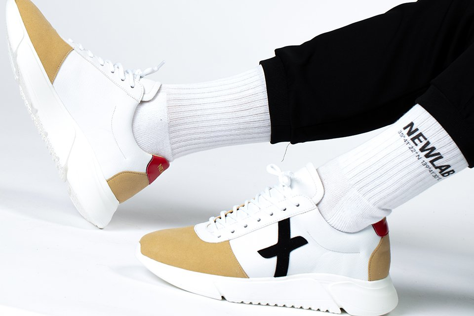 new lab sneakers blanches beiges noires