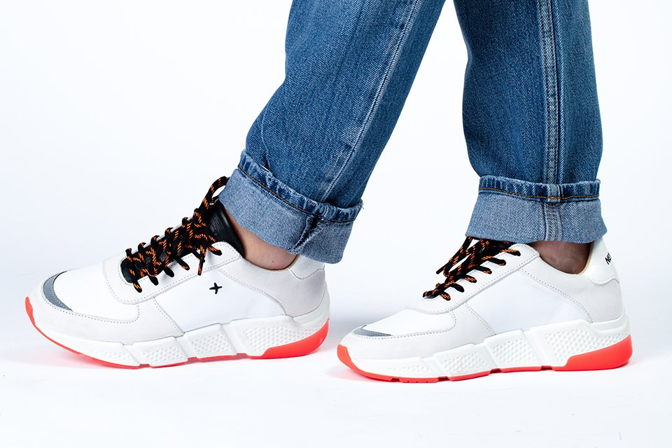 new lab sneakers blanches rouges