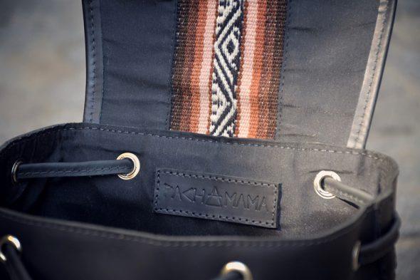 Pachamama sac à dos noir liseré