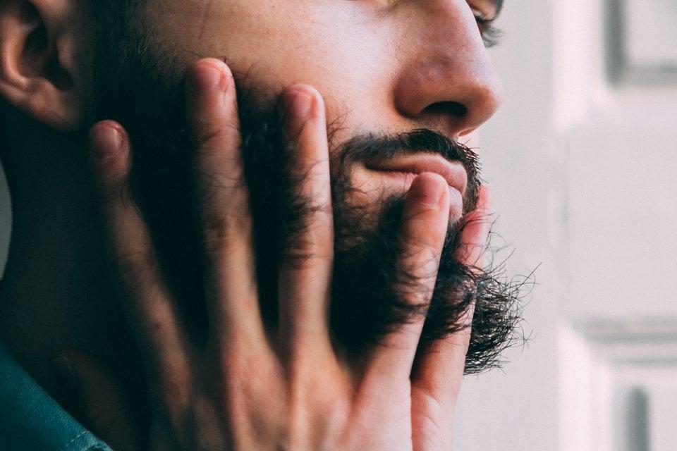 huile heritage into the beard barbe