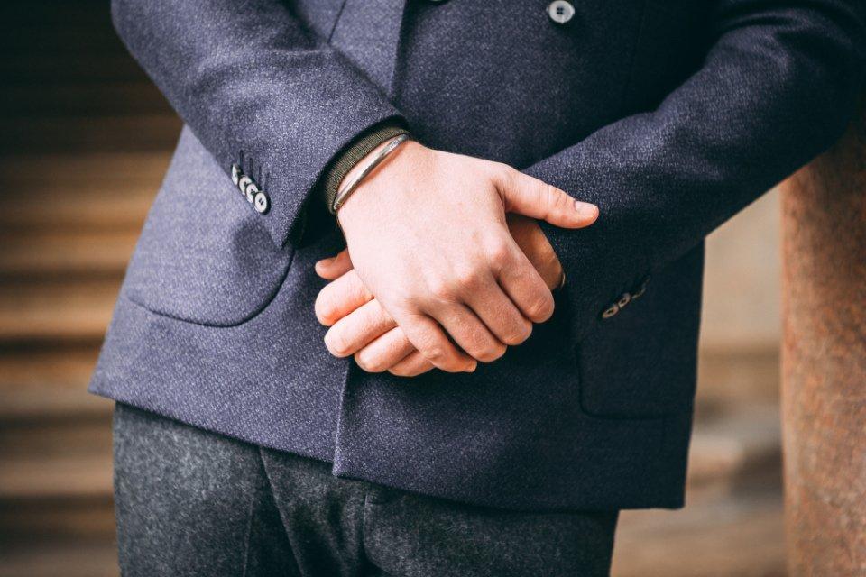 Blazer-Anthony-Garcon-Sleeves
