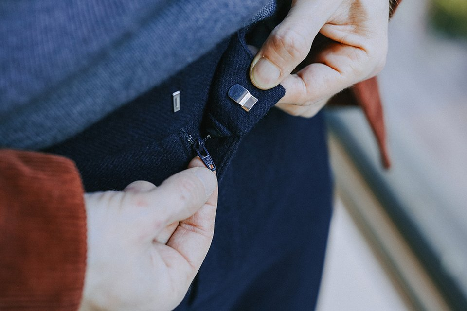 Pantalon bleu maisonstandards fermeture