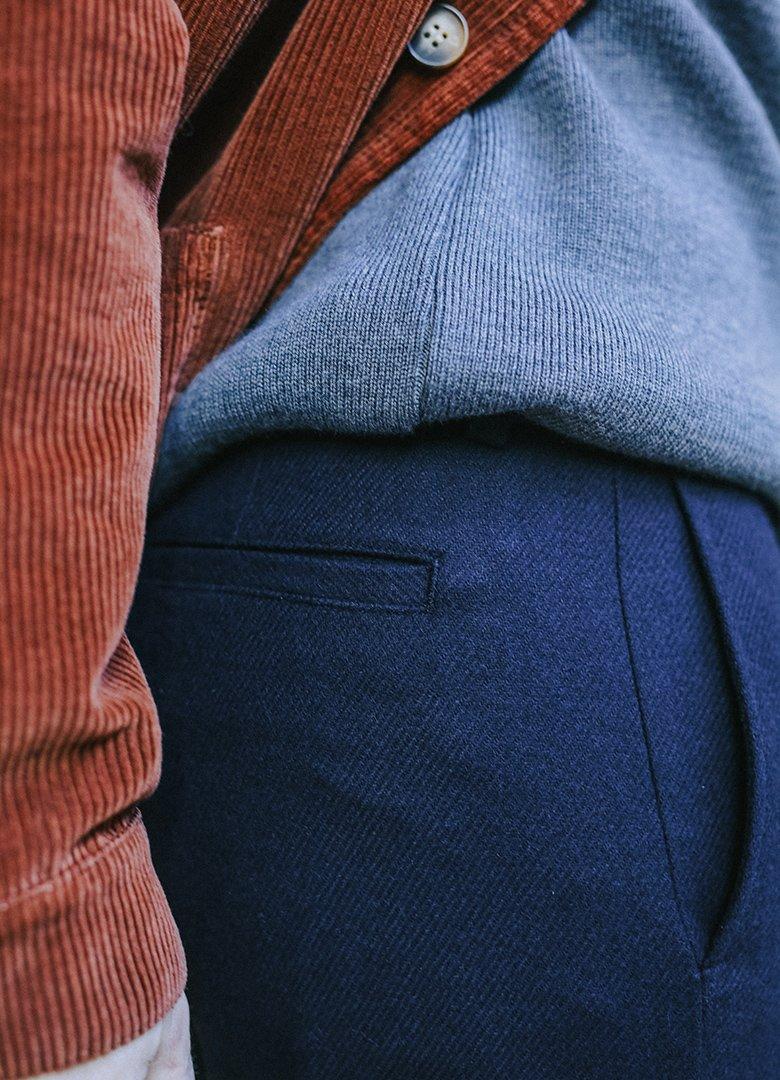 Pantalon bleu maisonstandards profil