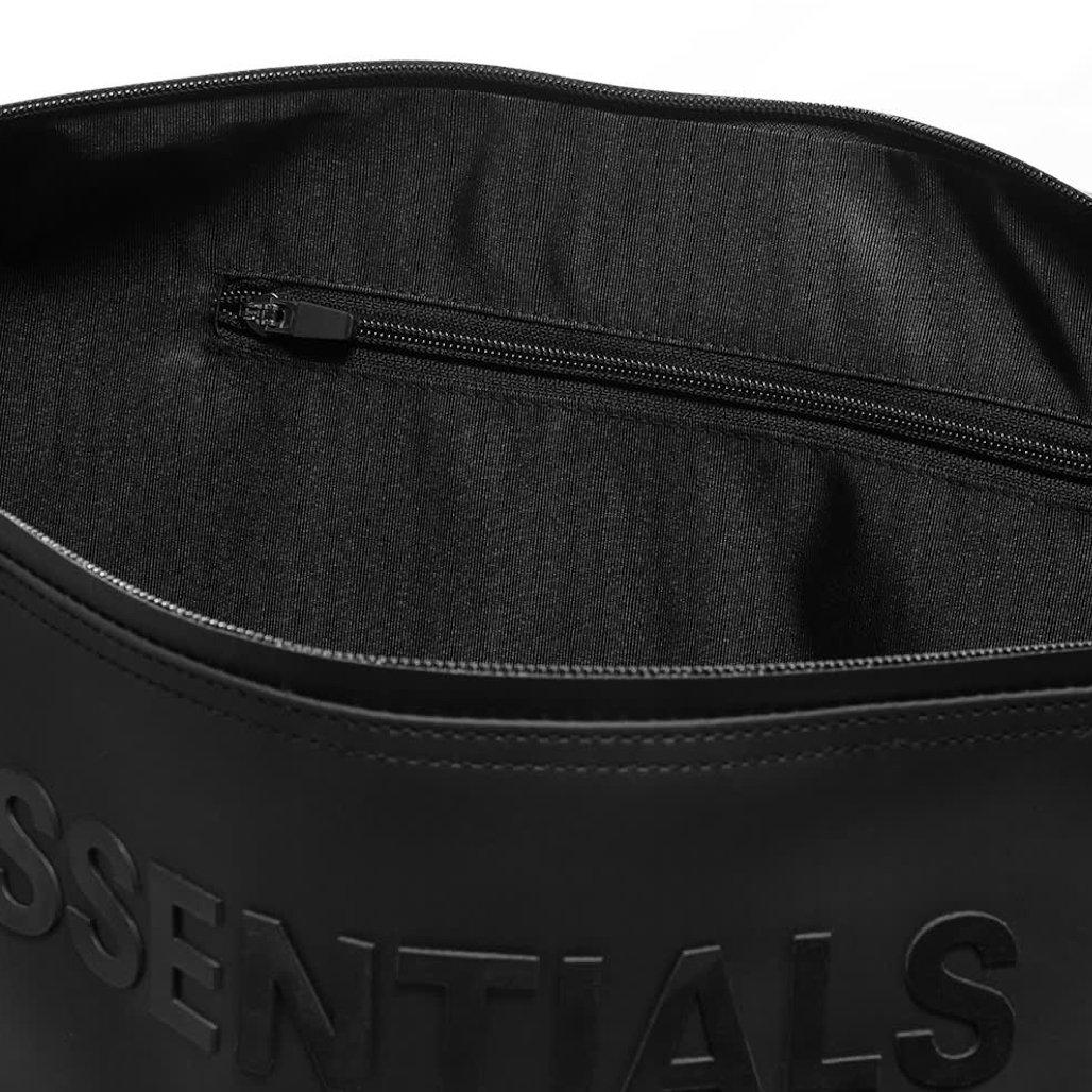 sac de voyage fear of god essentials détail poche
