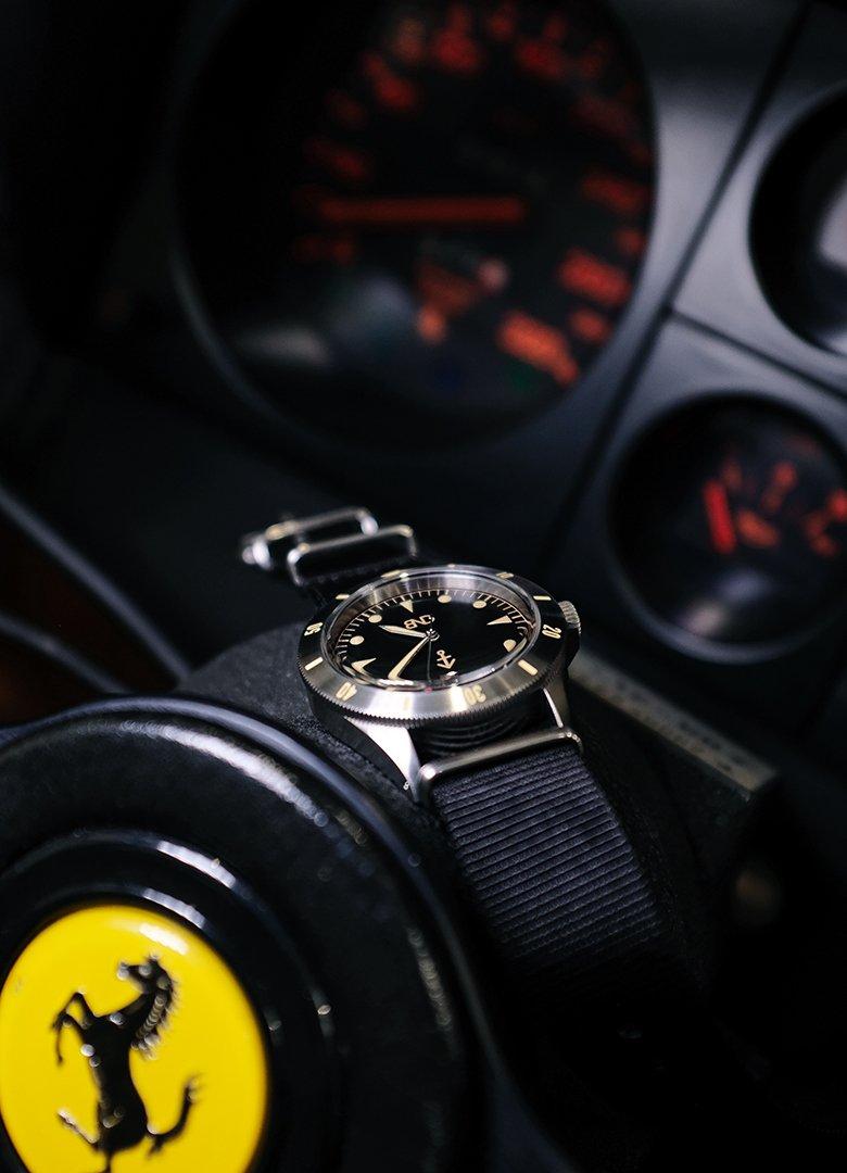 Bndwatches noire