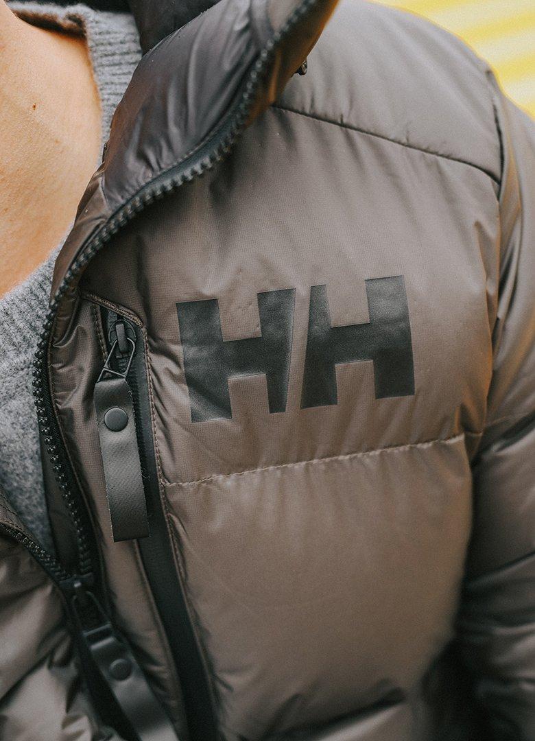 parka helly hansen logo