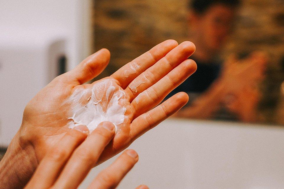 creme coiffante horace mains