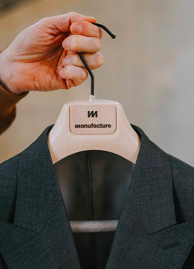 Costume manufacture personnalisation marque