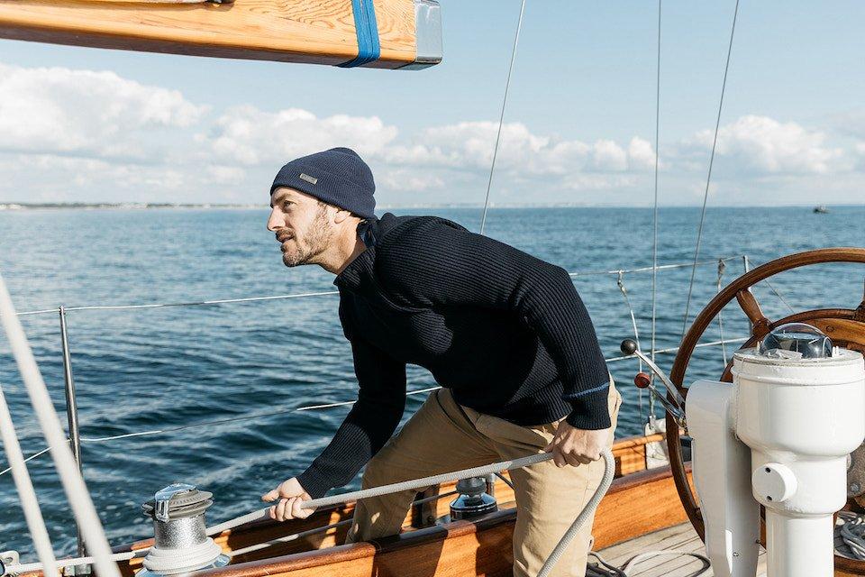 Tabarly pull marin bateau