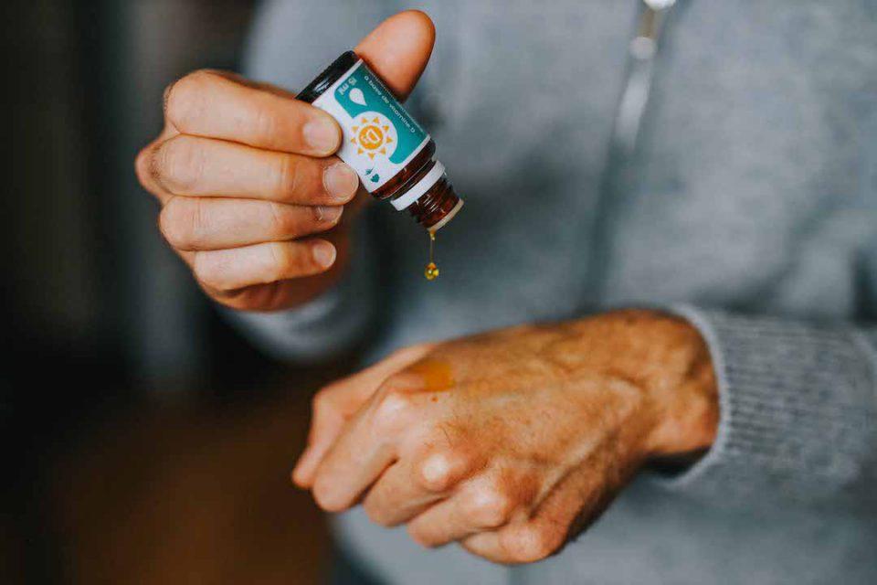 UNAE Vitamines D3 Goutte Main