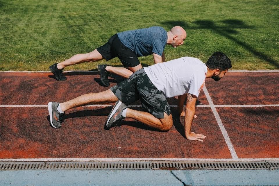 5 exercices renforcement - mountain climber mouvement 2