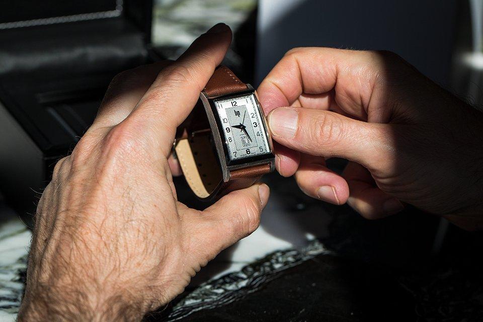 LIP Churchill T26 dans les mains