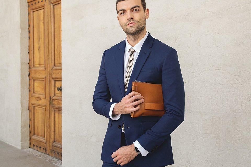 Patte Blanche suit