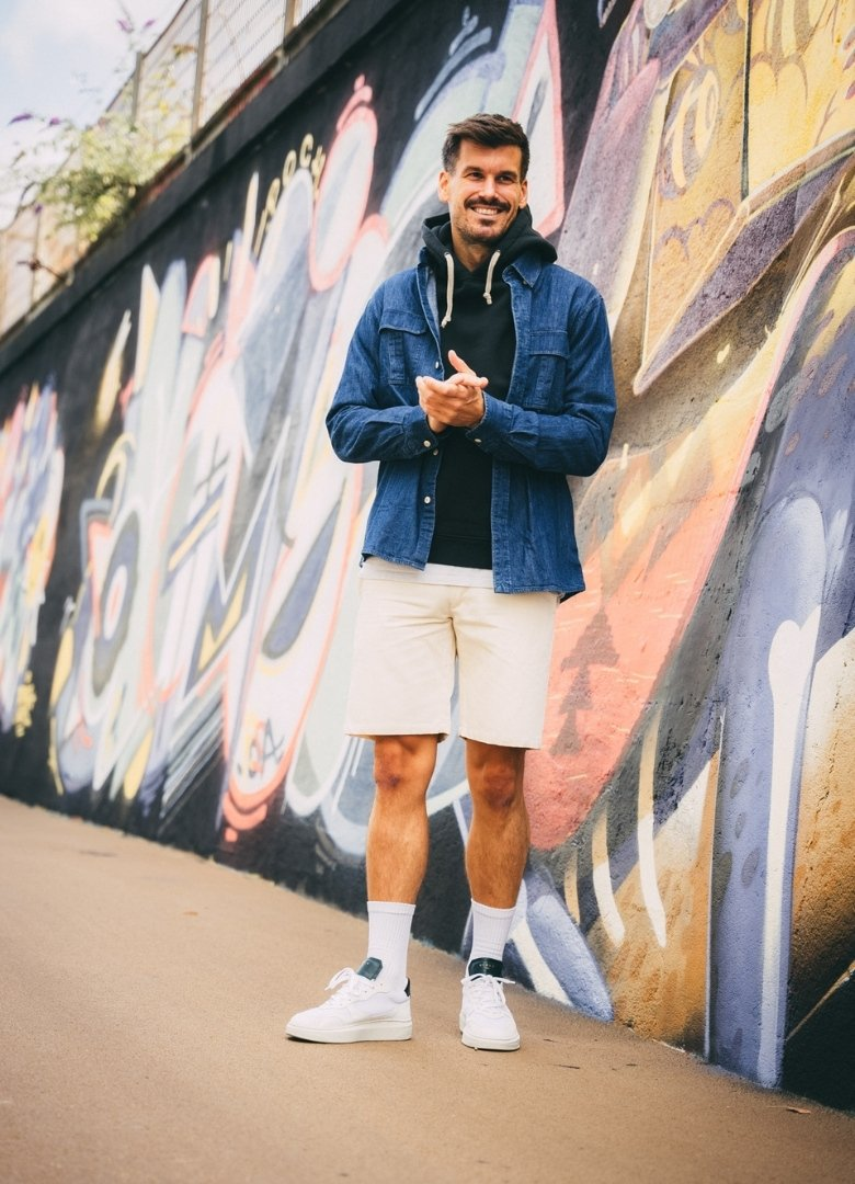 look complet streetwear face tag