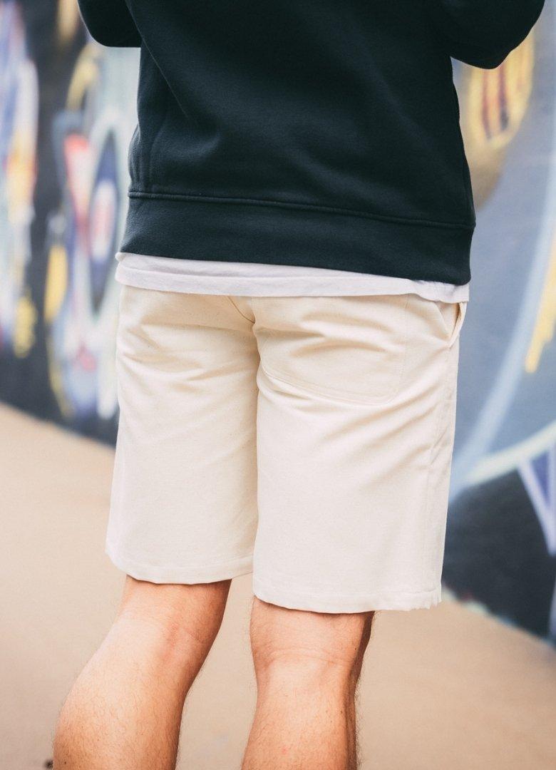 look complet streetwear short dos avn