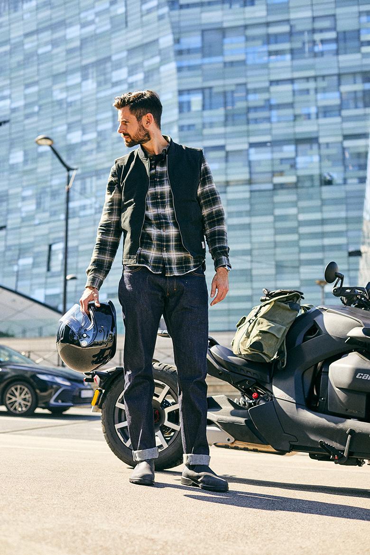 look homme moto brut authentique