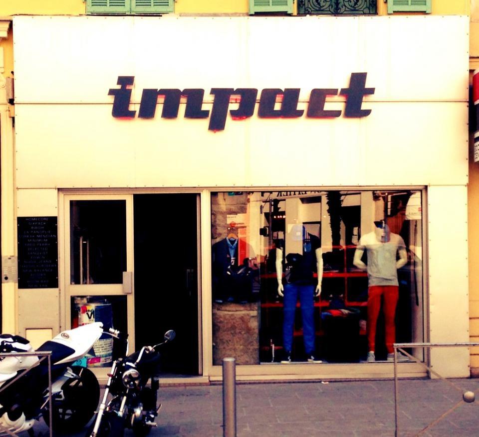 Impact Vitrine
