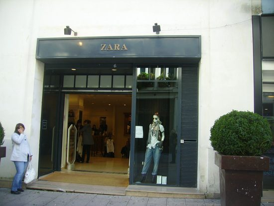 Zara Vitrine Angers