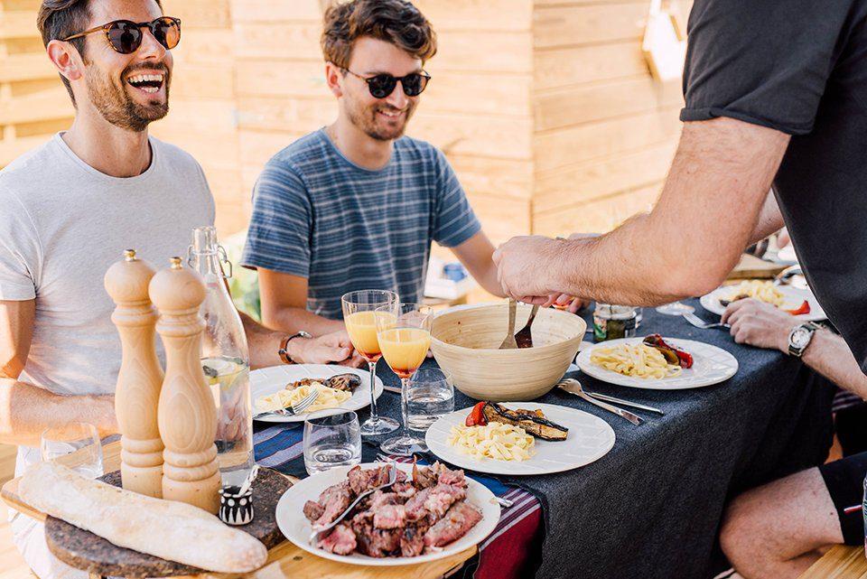 Terrasse Charbroil repas