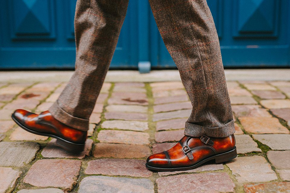 Chaussures Courtiseur Essayage marche